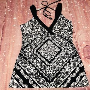 WHBM White & Black Print Spandex V Neck Tank Top